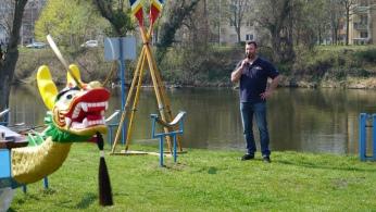 Burkhard Wienhold (Winni) moderierte die Bootstaufe.