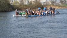 Beim Anpaddeln waren alle vier Standartboote sowie das Smallboot des Vereins auf der Mulde unterwegs.